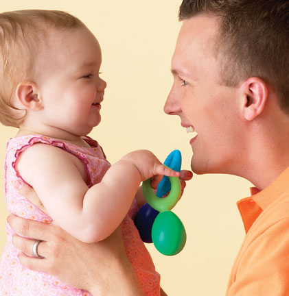 Dad and baby babbling and bonding in Kindermusik