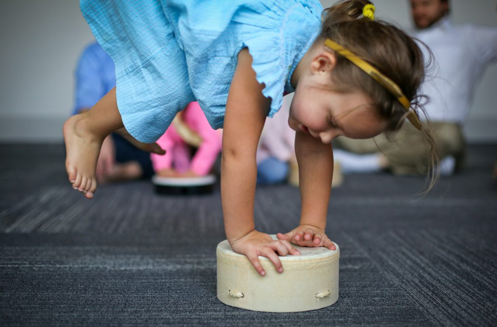 Ways Unstructured Play Boosts Learning - Kindermusik